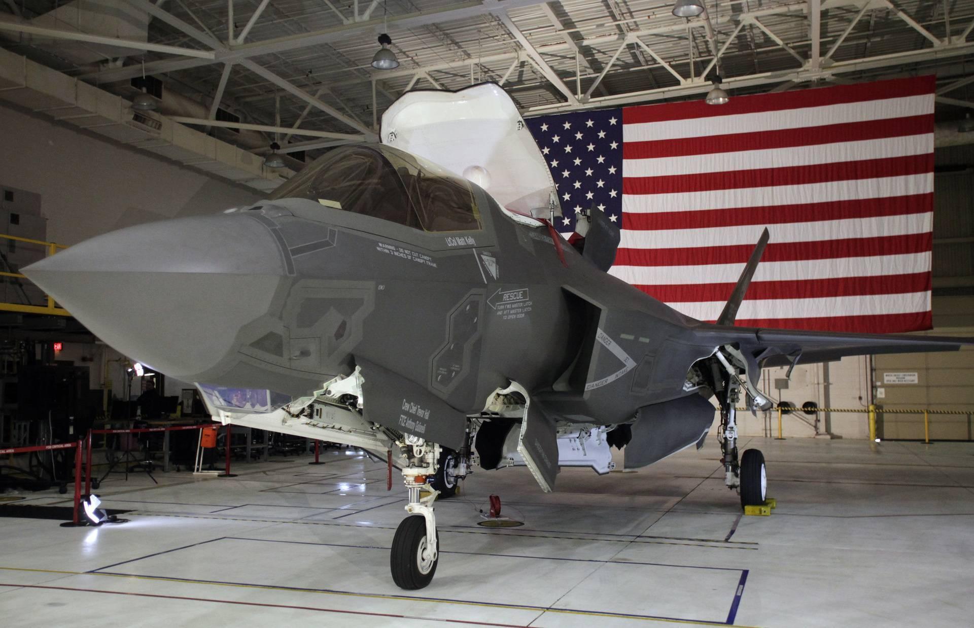 Истребитель lockheed martin f-35a lightning ii
