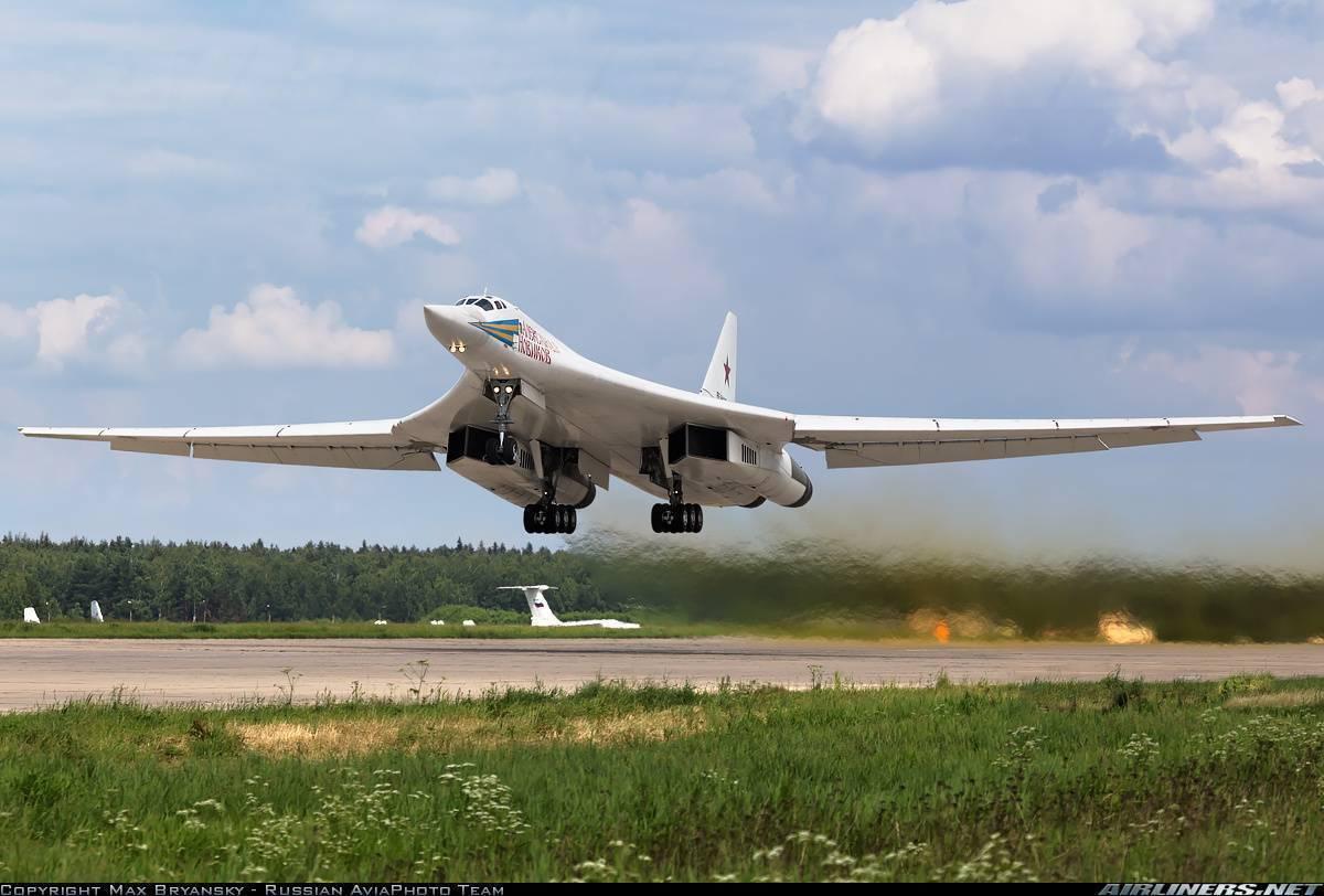 Ту-160: возобновление строительства «белых лебедей»— латание дыр?