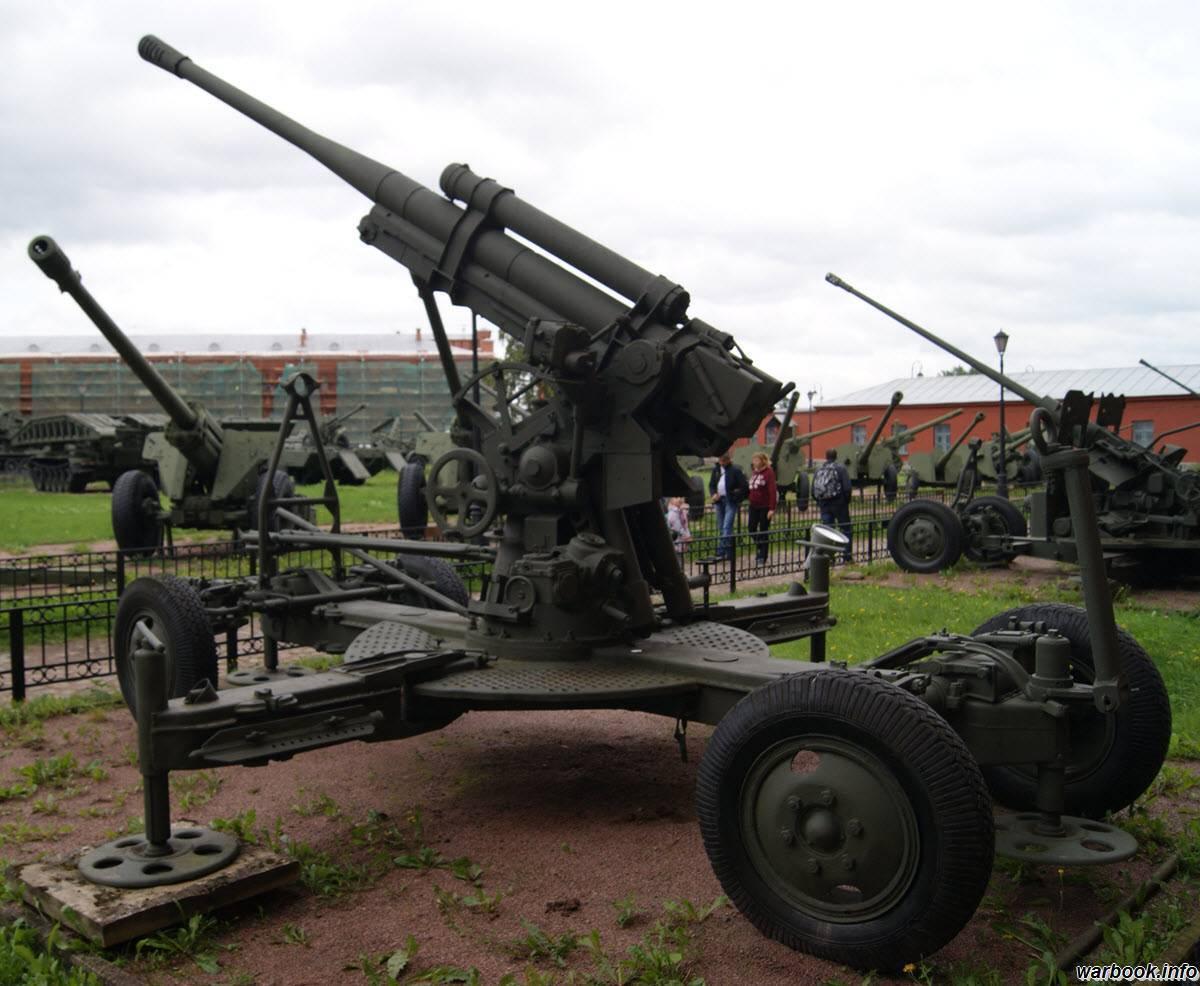 Расчет советского 85-мм зенитного орудия 52-к на бульваре йожефа в будапеште | военный альбом