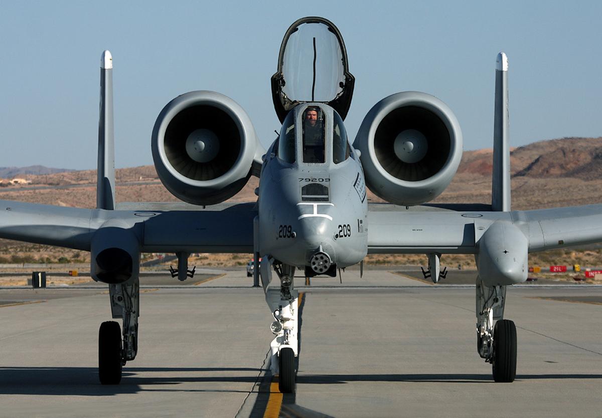 Fairchild republic a-10 thunderbolt ii — википедия. что такое fairchild republic a-10 thunderbolt ii