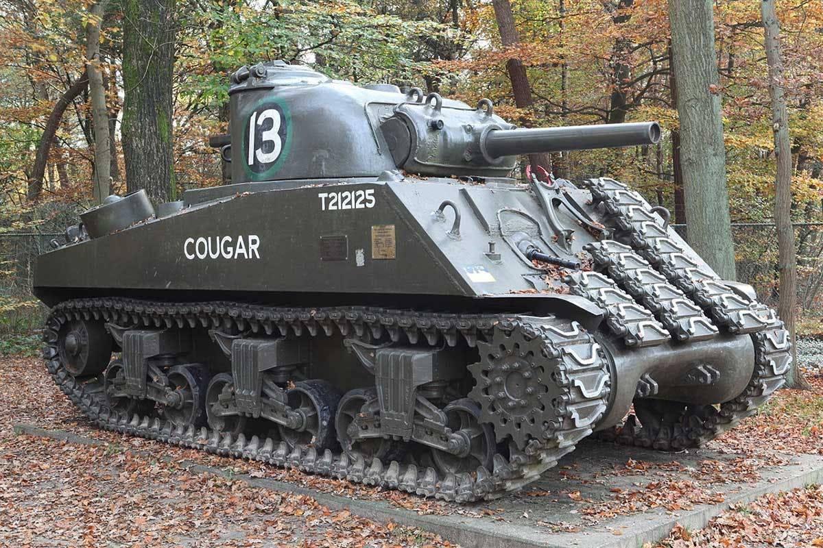 """Удобная восьмёрка (американский танк шерман m4a3e8). американский танк """"шерман"""" – одна из легенд второй мировой тактика боя на м4 шерман"""