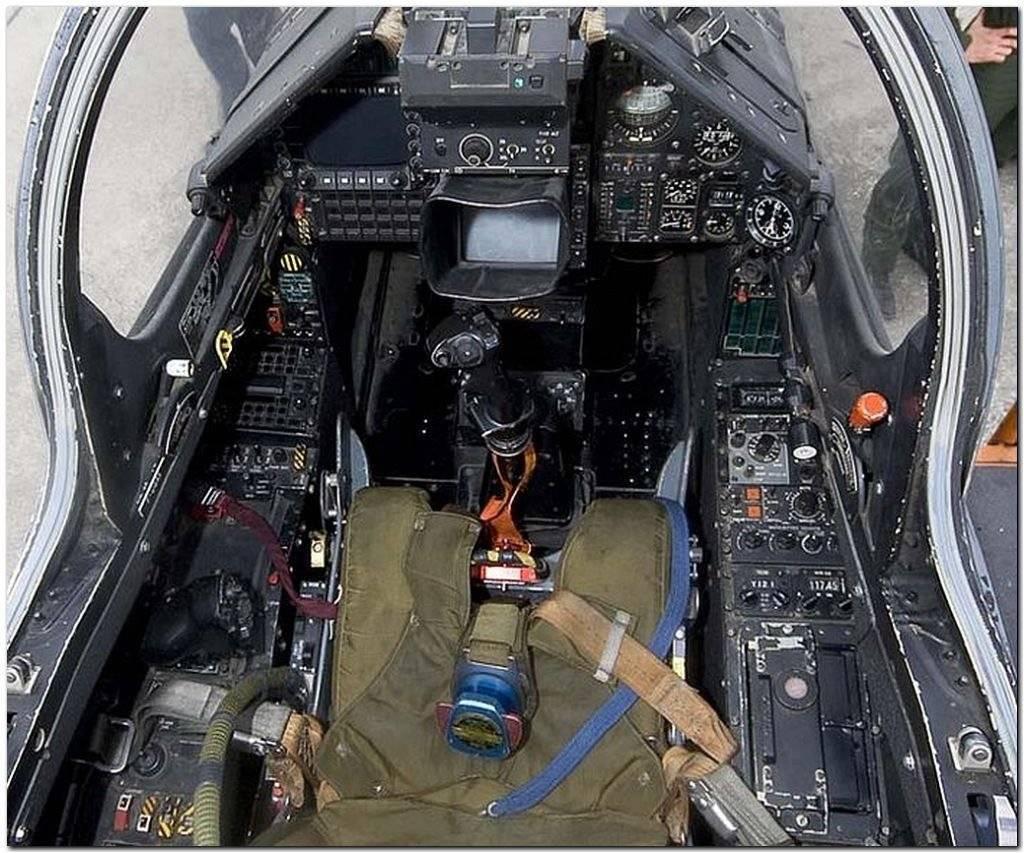 Dassault-breguet mirage 2000 википедия