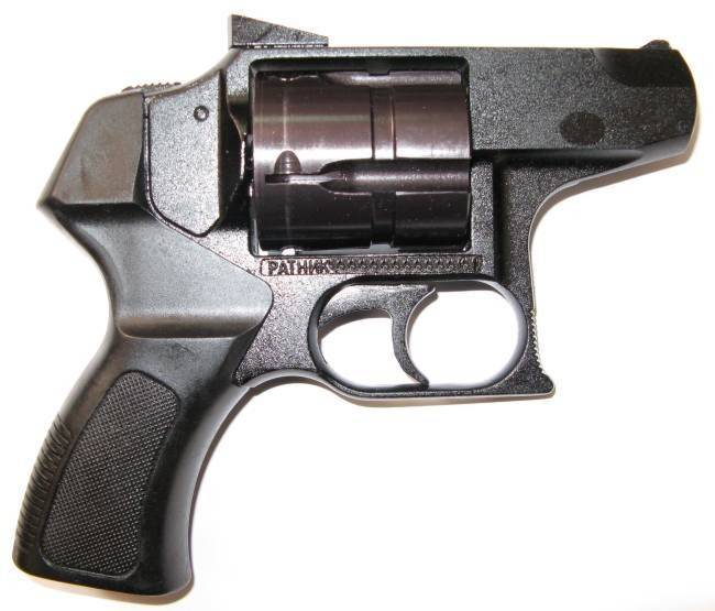 Травматический револьвер Ратник калибра 410x45