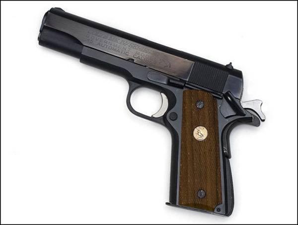 Самозарядный модульный карабин Colt LE-901