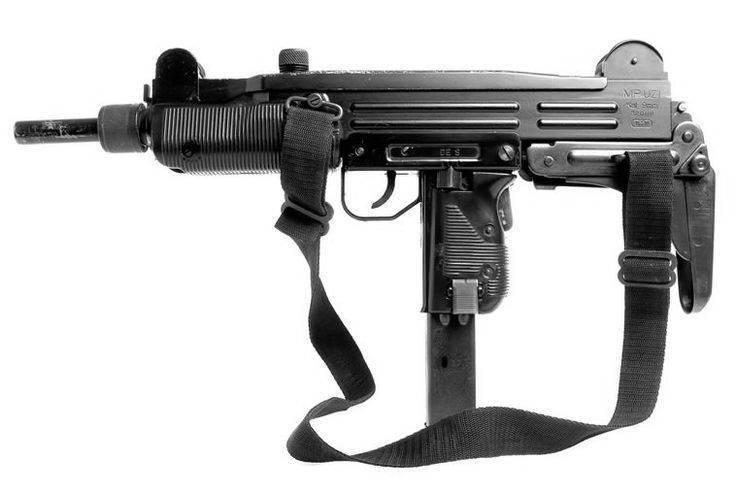 Обзор израильского пистолета-пулемета uzi