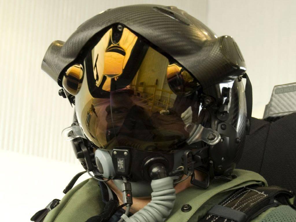 Военные каски или как эффективно защитить голову бойца