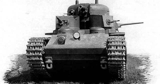Советский танк Т-35 – «парадная» машина Красной Армии