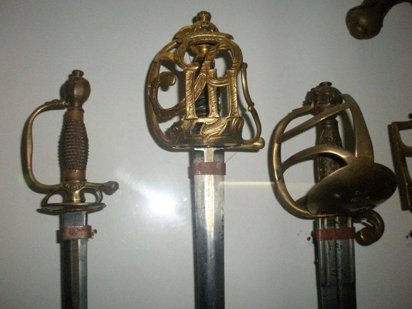 Палаш: история происхождения как звена в цепи развития средневековых мечей. сабли, палаши, шашки и оружие с изогнутым лезвием оружие, ставшее музейным экспонатом