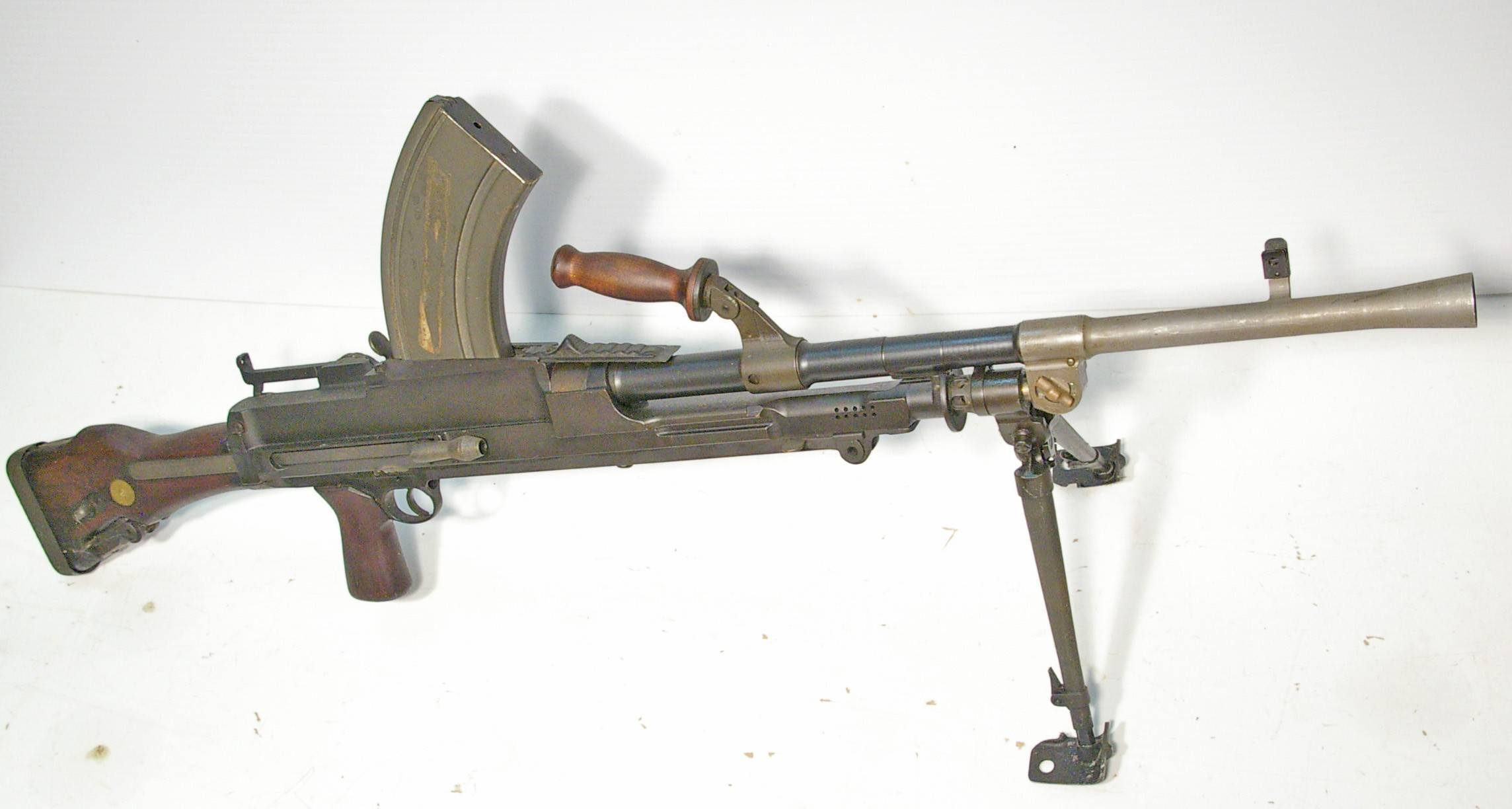Пистолет bren ten