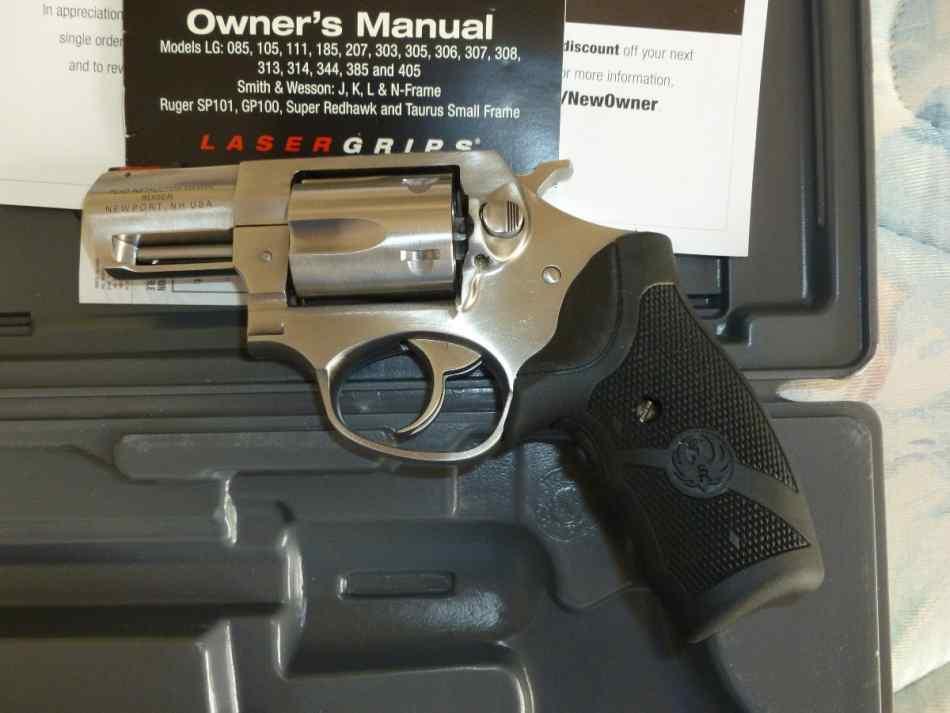 Револьвер Ruger SP101