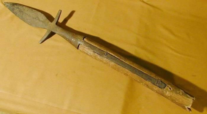 Древковое холодное оружие средневековья