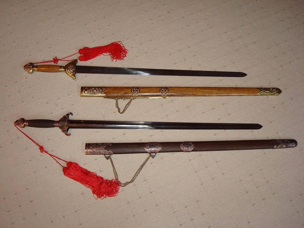 Парные клинки владение. шуангоу – парный клинок китайских воинов и шаолиньских монахов. что побудило китайцев к созданию столь необычного оружия