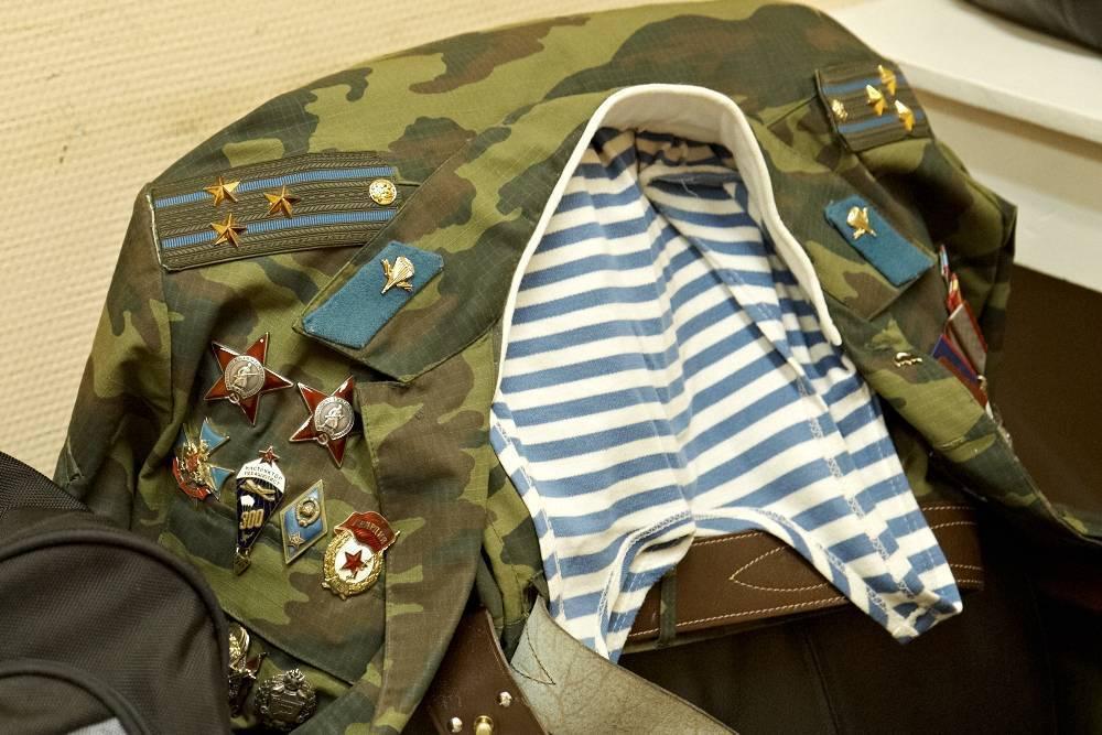 Старая дембельская форма. форма вдв, история от кожаного шлема до голубого берета. форма вдв россии