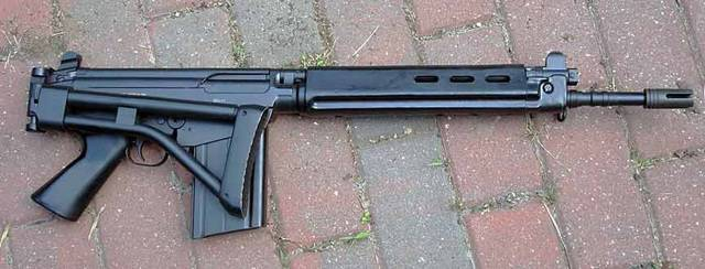 Штурмовая винтовка FN CAL