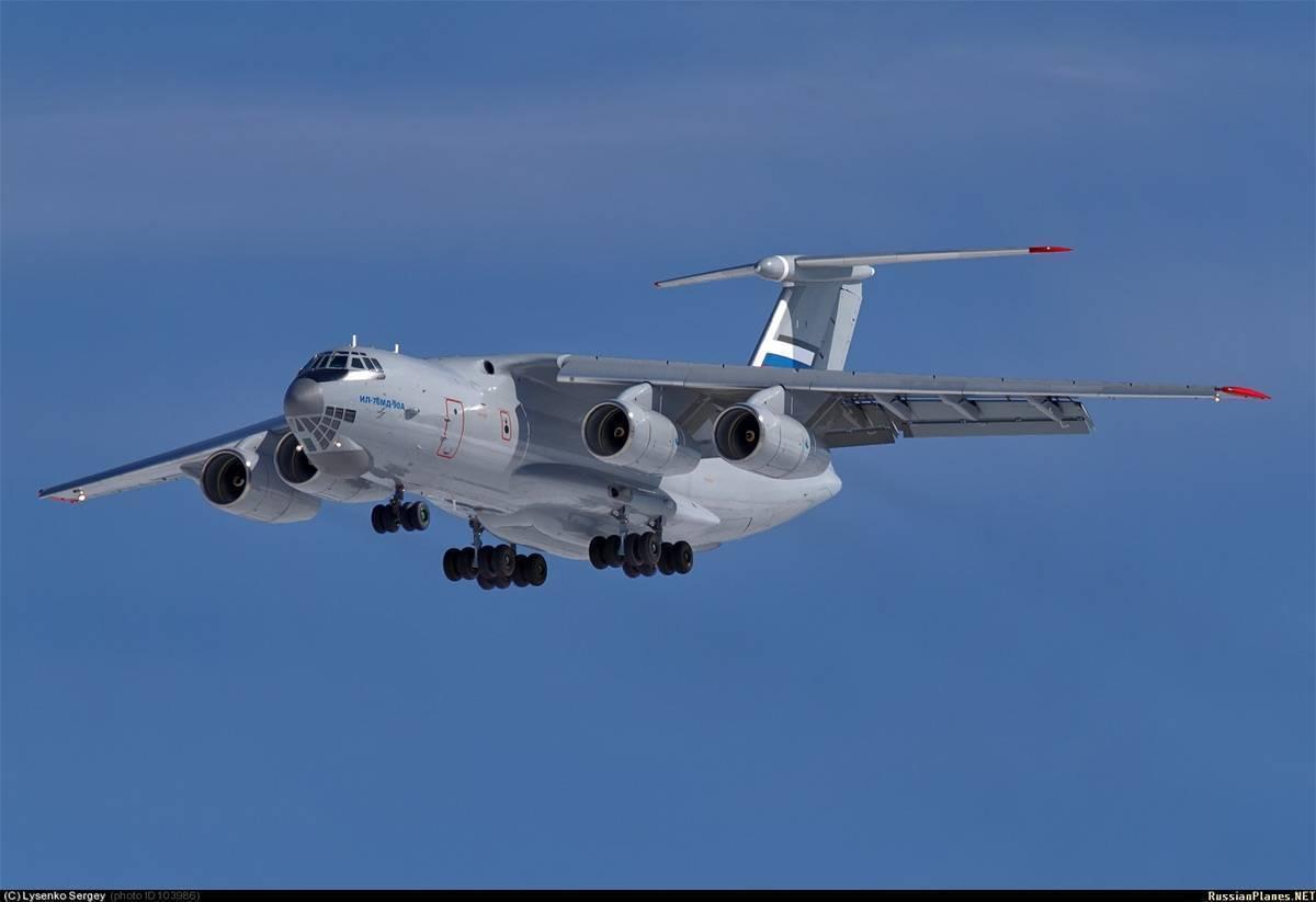 Транспортный самолет Ил-476: история и ТТХ