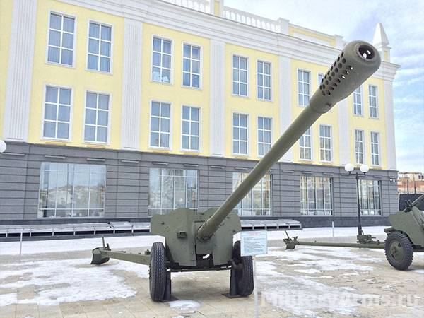 85-мм противотанковая пушка д-48 ²