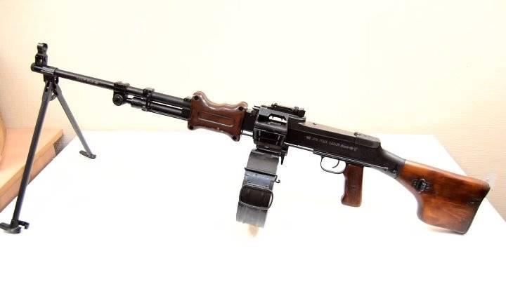 Оружие списанное, охолощенное ручной пулемет дегтярева