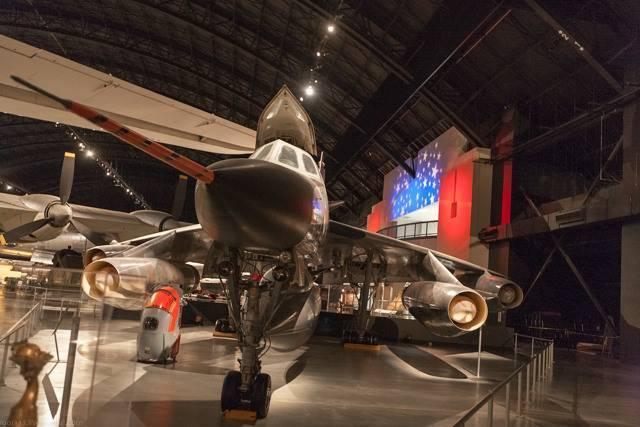 Бомбардировщик Convair B-58 Hustler – от мировых рекордов к ранней отставке