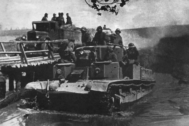 Советский танк т-28. гремя огнём, сверкая блеском стали