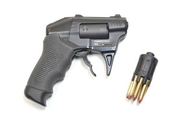 Gun review: standard manufacturing s333 thunderstruck double barrel revolver