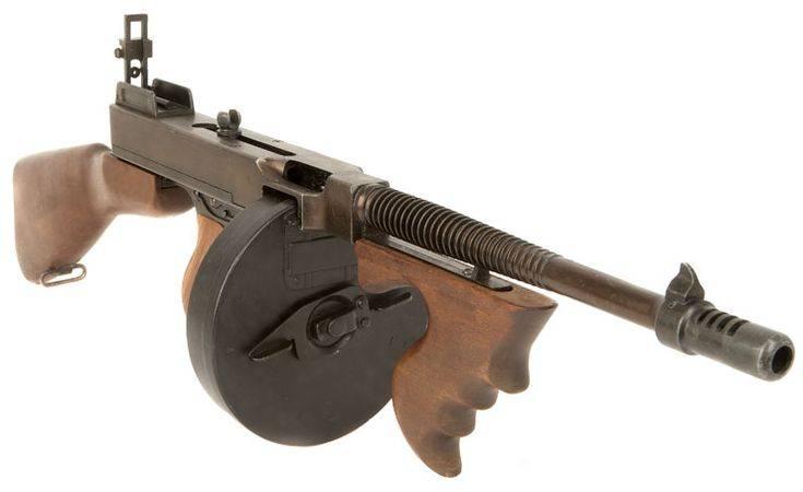 Пистолет-пулемет томпсона (5фото)