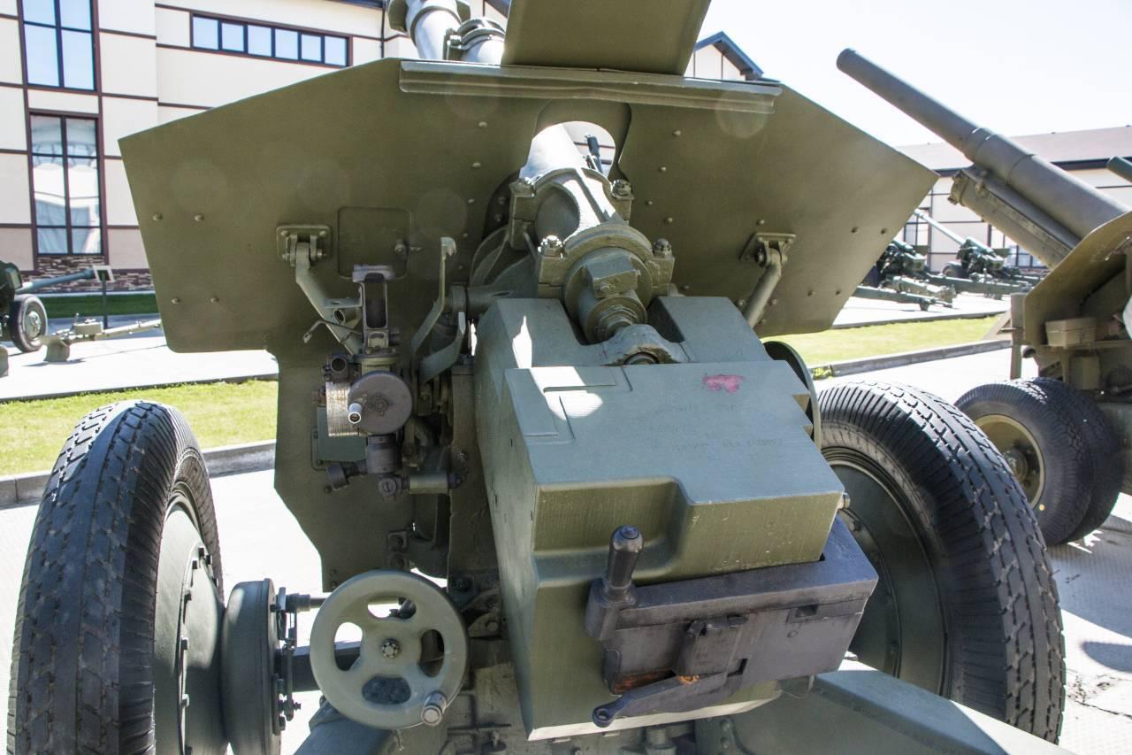 152-мм гаубица образца 1943 года (д-1)