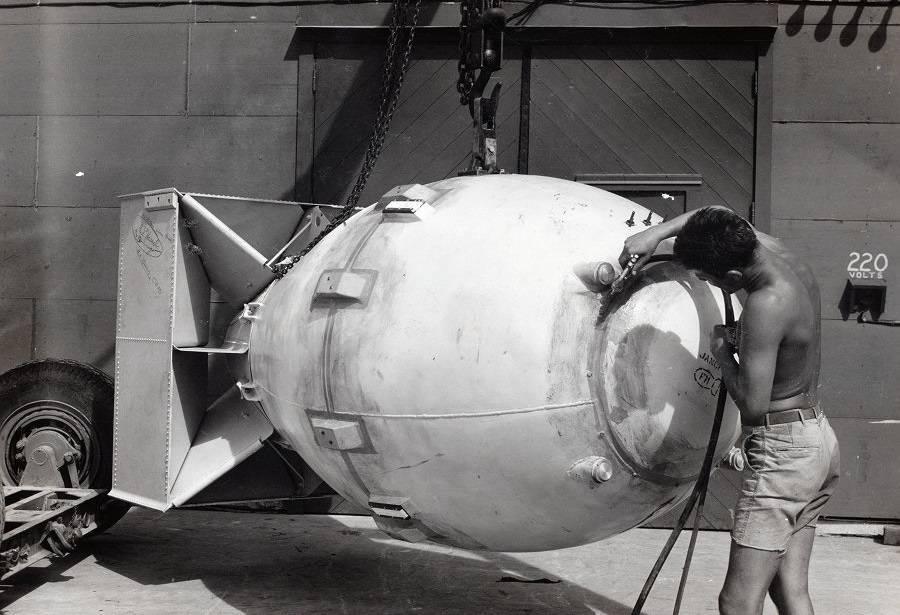 Ядерная бомба – оружие, обладание которым, уже является сдерживающим фактором. малыш (бомба) вес бомбы малыш
