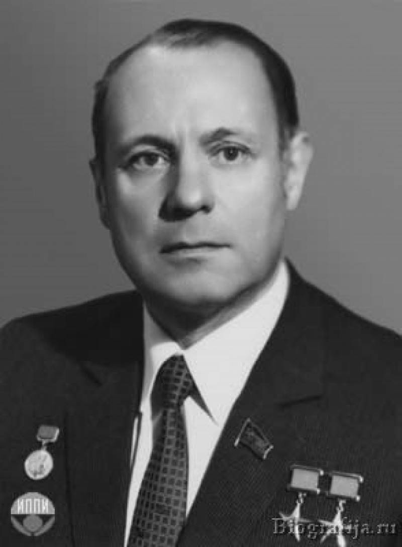 Новожилов, генрих васильевич