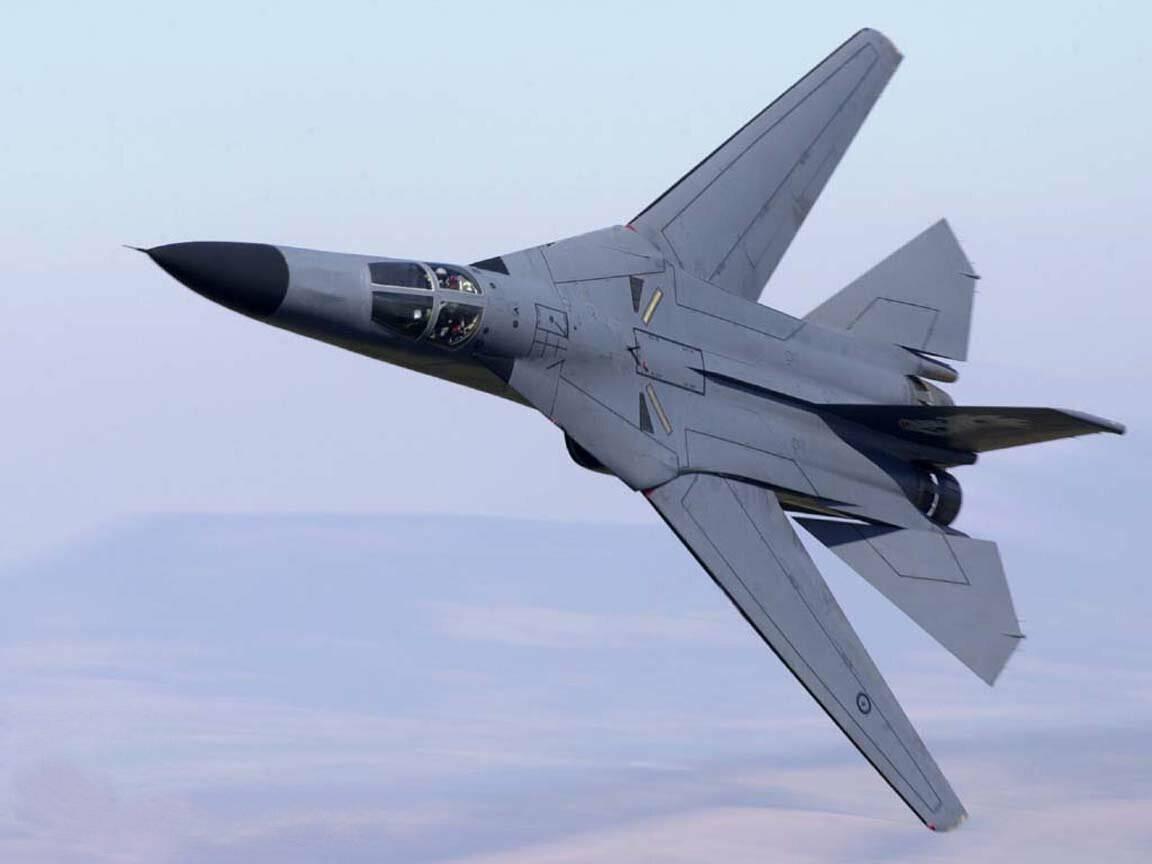 Су-24 и его американский дядюшка (f-111)