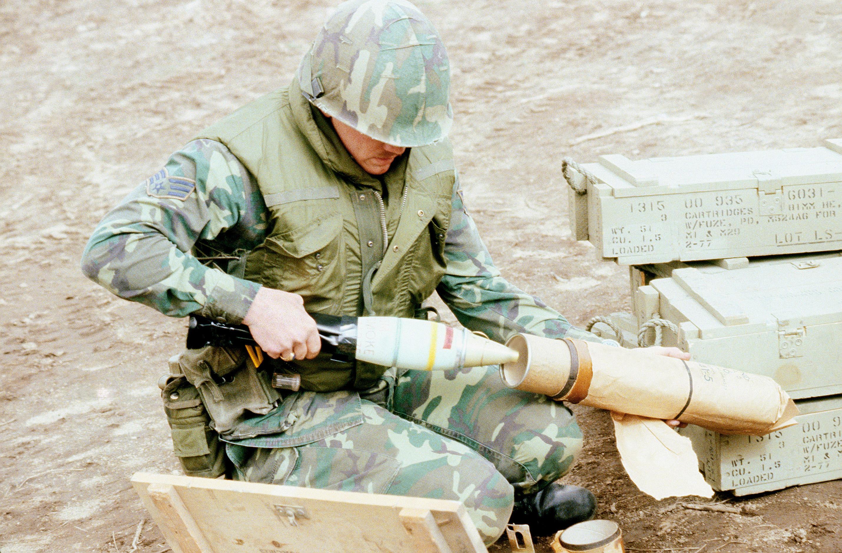 Фосфорная бомба: принцип действия и последствия. фосфорные бомбы – ядовитый дым, высокая температура фосфорная бомба последствия для человека