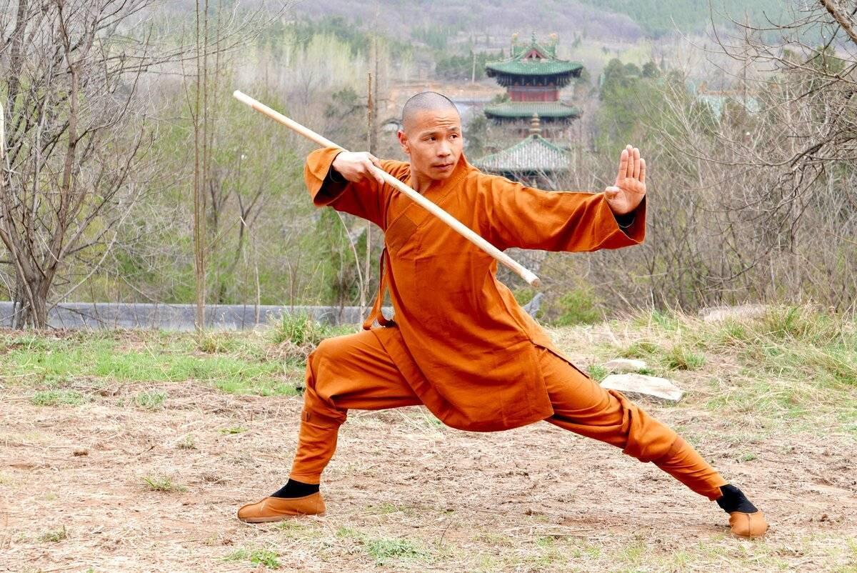 Шуангоу – экзотическое оружие китайских монахов и его особенности