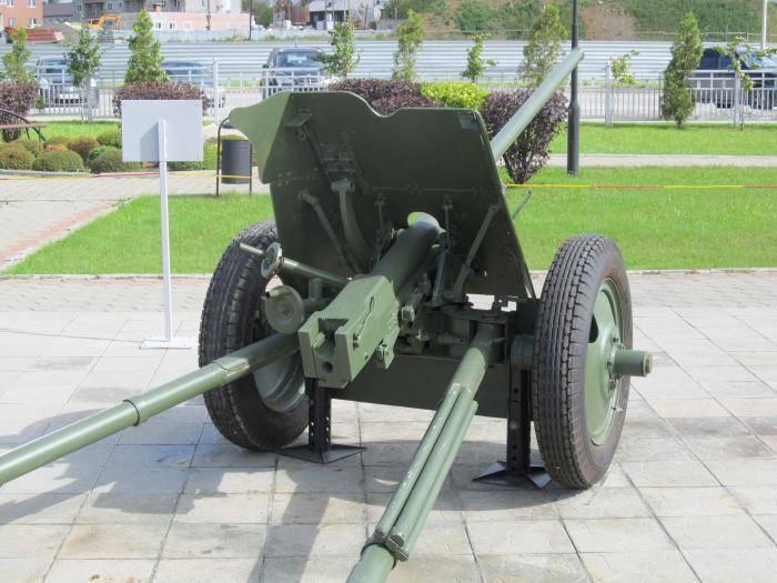 45-мм противотанковая пушка образца 1942 года м-42