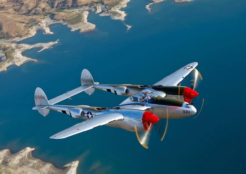 P-38 лайтнинг википедия