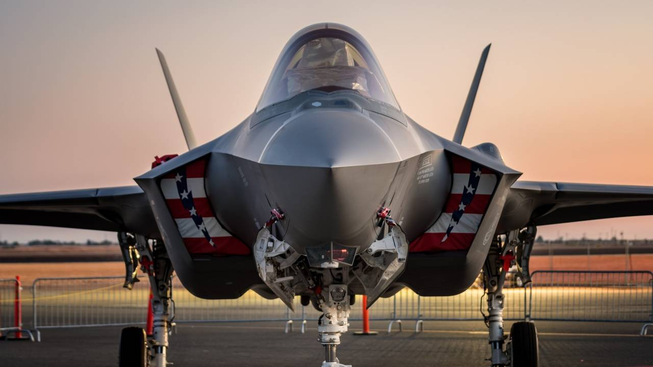 Полный провал. американский истребитель f-35 оказался одной большой ошибкой [видео] / news2.ru
