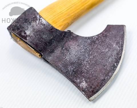Плотницкий топор: разновидности топоров плотника. особенности ижевских и японских инструментов. чем он отличается от обычного? рейтинг моделей