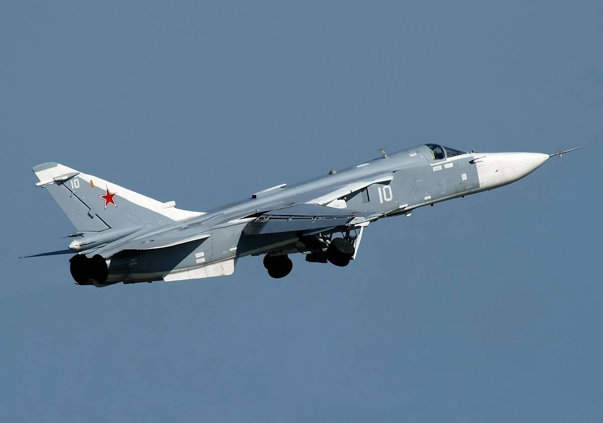 Сверхзвуковой фронтовой бомбардировщиксу-24