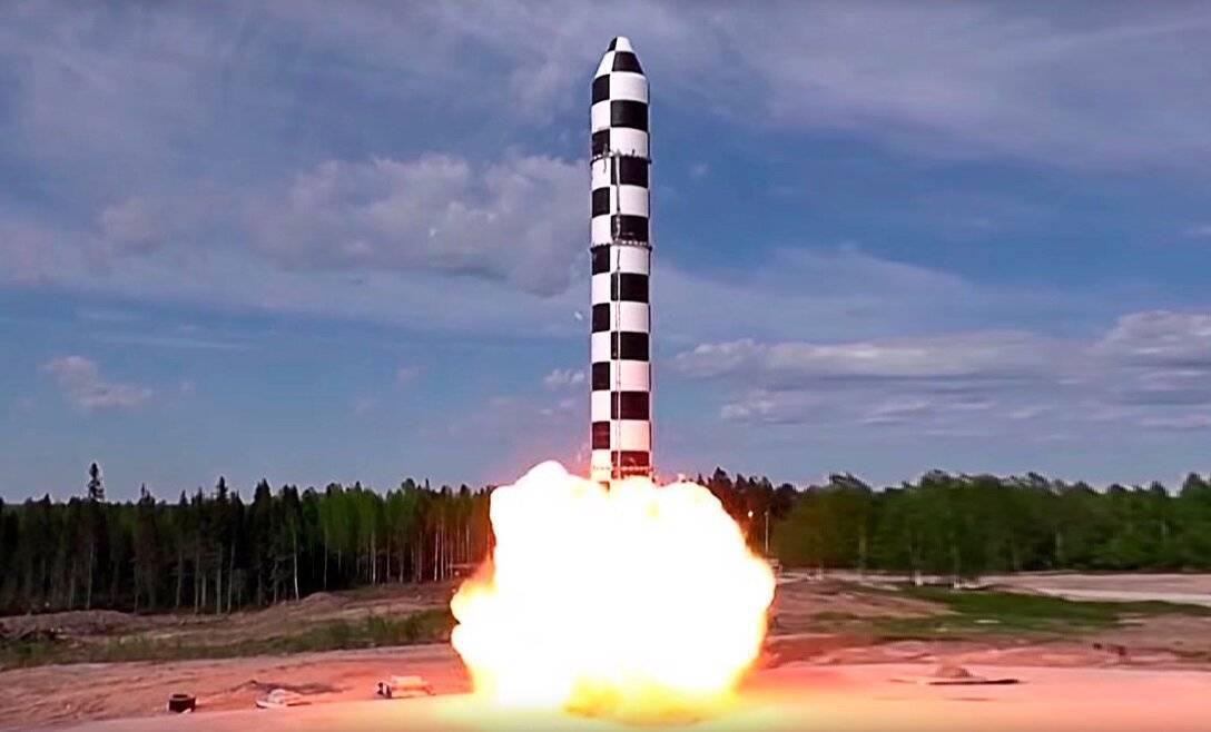 Весомый аргумент: как россия будет вводить в строй ракеты «сармат» | статьи | известия