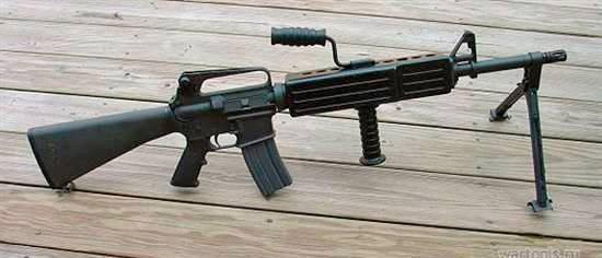 Американская автоматическая винтовка м16   (4фото)