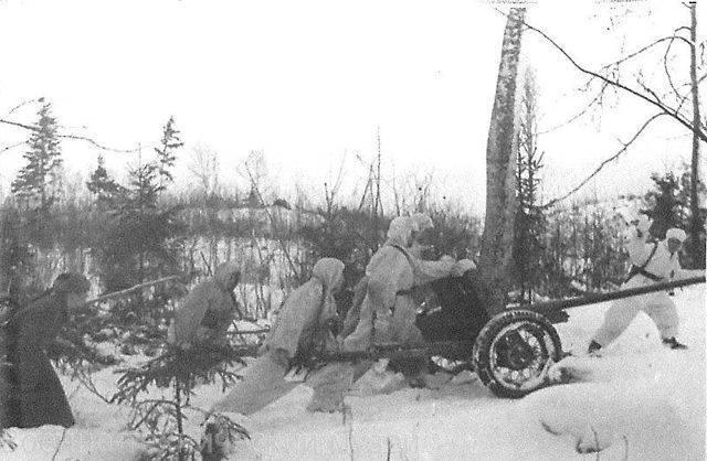 Примитивная конструкция 45 мм орудия 42 г. «сорокопятка» – знаменитая рабочая лошадка великой войны