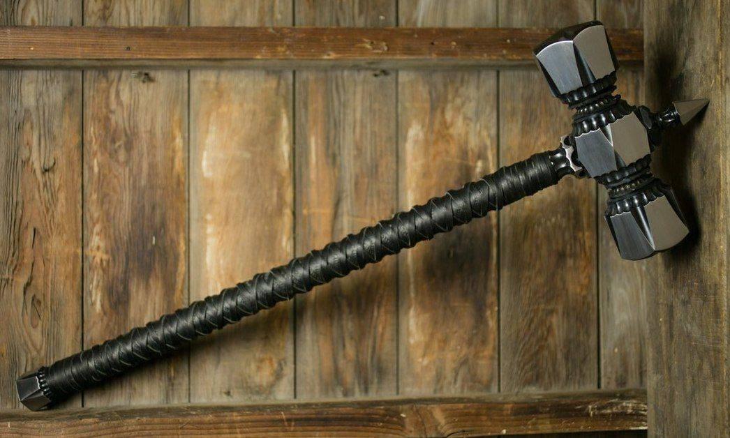 Древковое оружие – копья, алебарды и их близкие родственники
