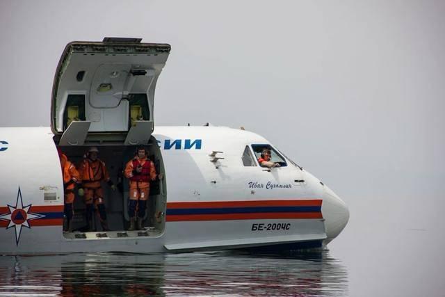 Советский самолет-амфибия Бе-200 на страже России
