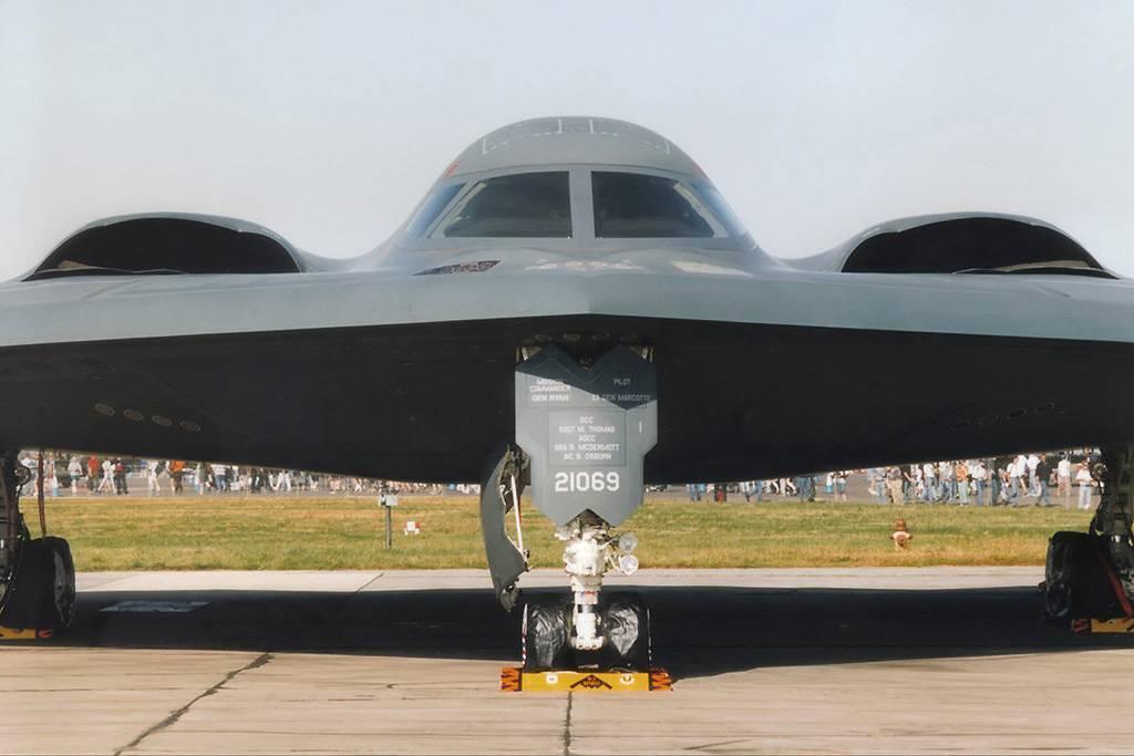 Стратегический бомбардировщик northrop b-2 spirit (сша). фото и описание