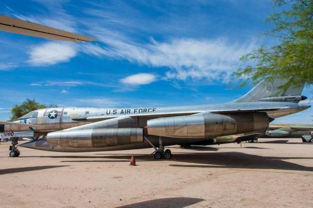 Convair b-58 hustler — википедия
