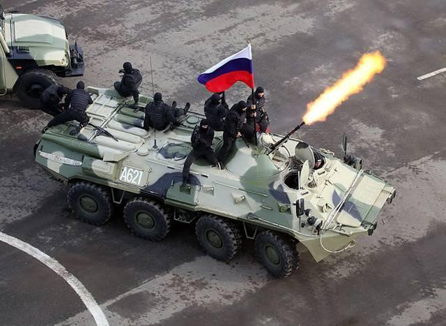 «бумеранг» vs бтр-80. зачем российской армии «тяжёлые колёса»?