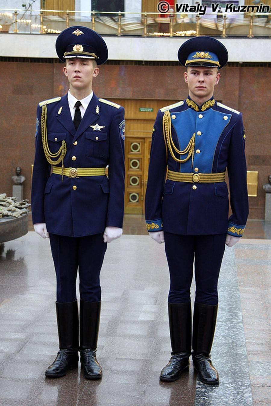 Часть мундира: необычная парадная военная форма разных стран мира