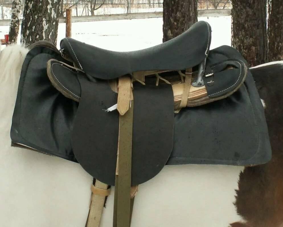 Седло для лошади
