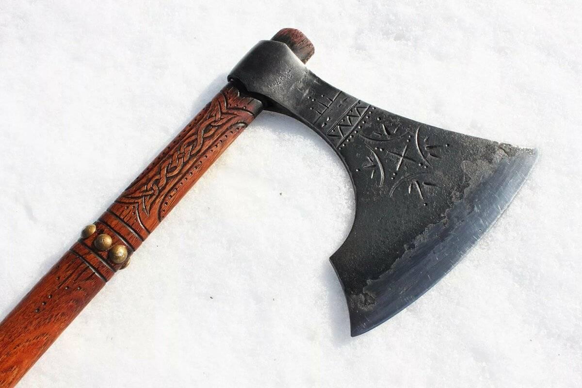 Что такое топор в древние времена. боевой топор: происхождение и исторические особенности