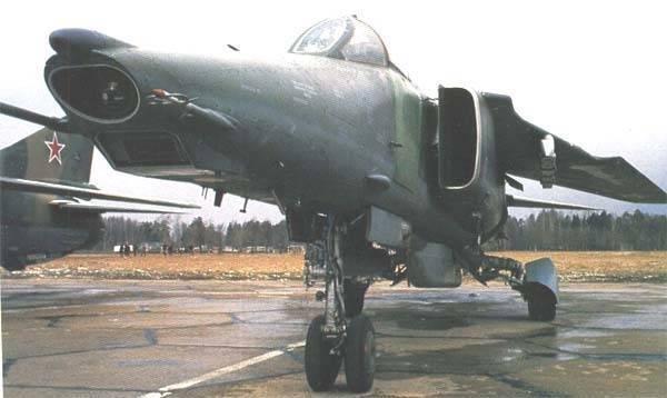 Миг-27 -отечественный истребитель-бомбардировщик