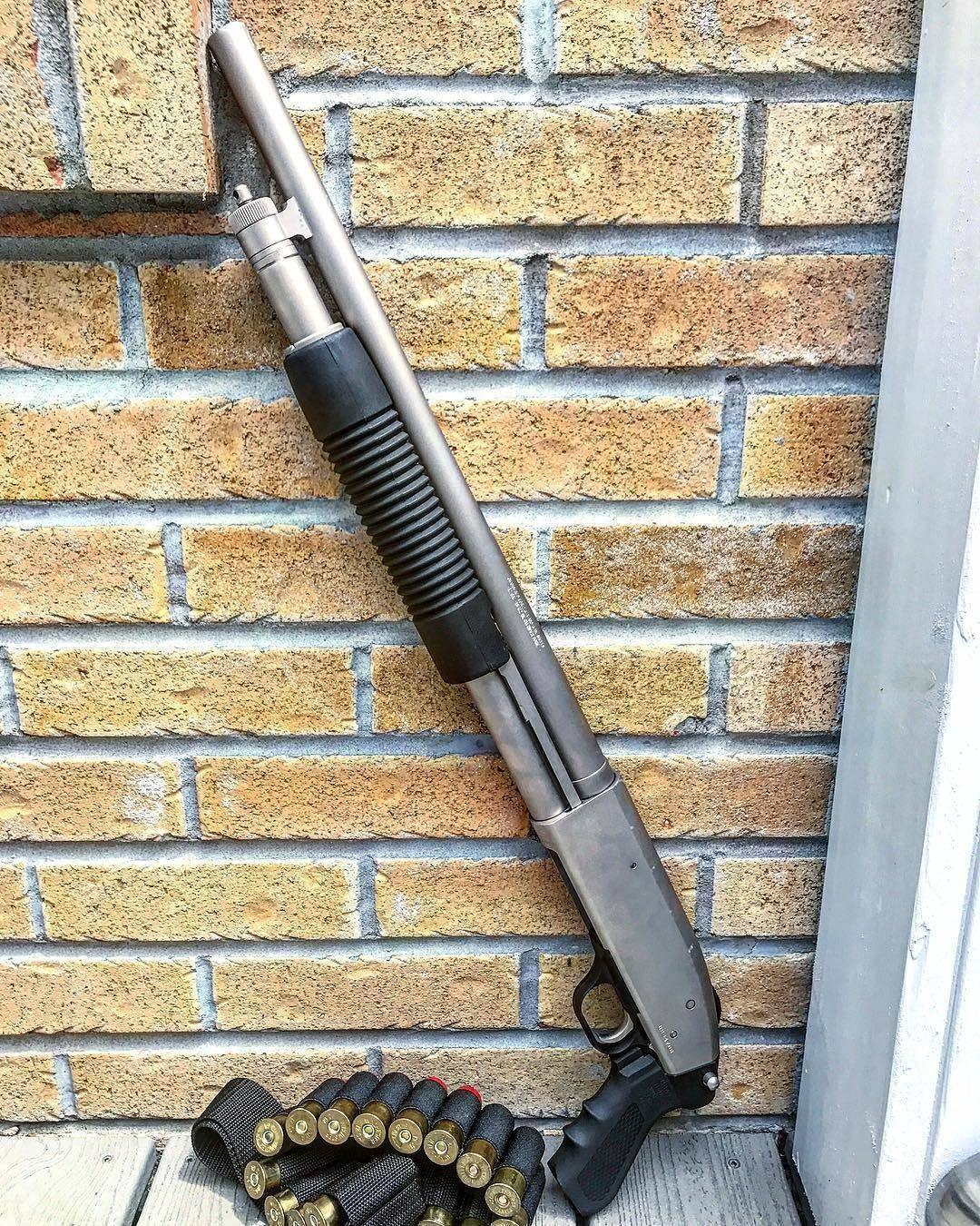 Гладкоствольное ружье Mossberg 500 Mariner