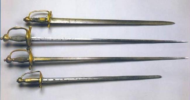 Палаш: история происхождения как звена в цепи развития средневековых мечей